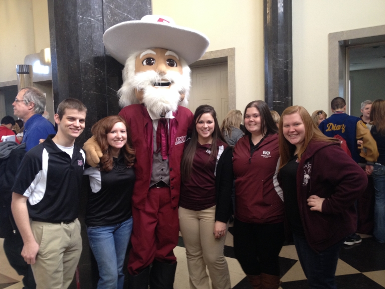 Orientation Leaders pose with the Colonel at Spring Orientation