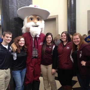 Orientation Leaders pose with the Colonel at Fall Orientation